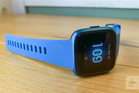 Fitbit Versa Lite Review: Trimmed-down With Features You