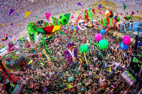 This isn't just any town, this is Elrow 'London' Town